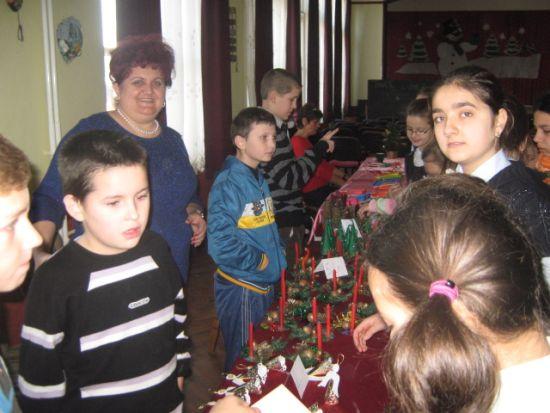 Târgul de Crăciun de la Şcoala Gimnazială ,,Vasile Lucaciu'' Carei