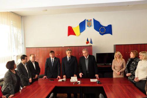 """Parteneriat între Școala """"Bălcescu – Petofi"""" și cea din Biserica Albă (Ucraina)"""