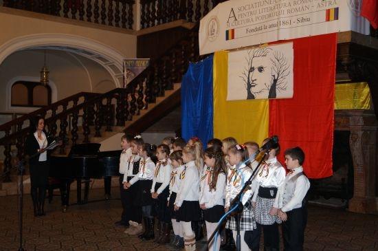 Eminescu trăiește prin noi şi la Carei! Recitare publică sincronizată la nivel internațional pentru aniversarea lui Eminescu