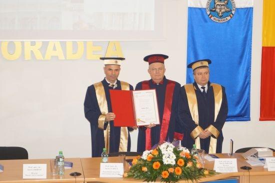 O nouă recunoaştere a valorii acad. Marius Porumb. Universitatea Oradea îi acordă titlul de Doctor Honoris Causa