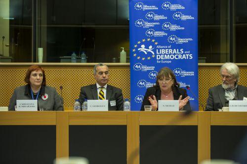Norica Nicolai a găzduit la Parlamentul European o dezbatere pe tema educației