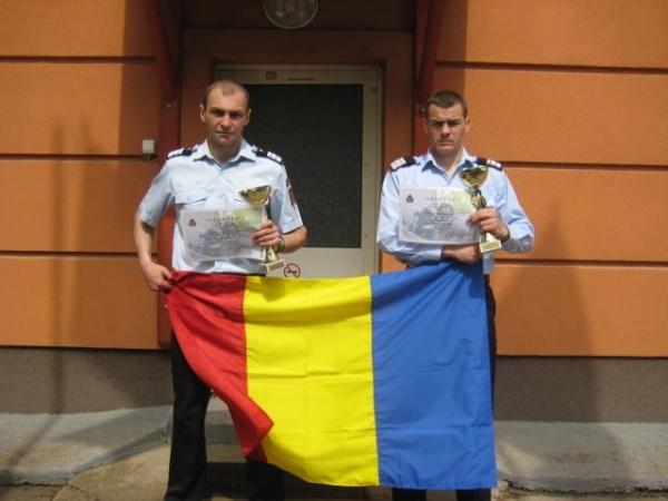 """Pompierii sătmăreni au fost cei mai buni la  ,,SCĂRI"""" la  Nyiregyhaya"""