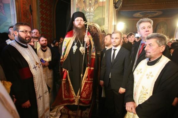 Episcopul Harghitei și Covasnei, către credincioși: De Paști, îmbrăcați-vă în haina neamului românesc