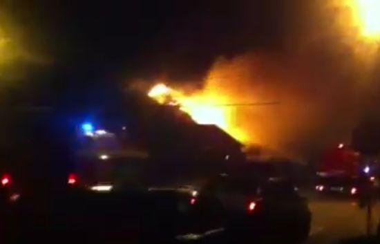 Incendiu izbucnit de la  un coş de fum  neprotejat
