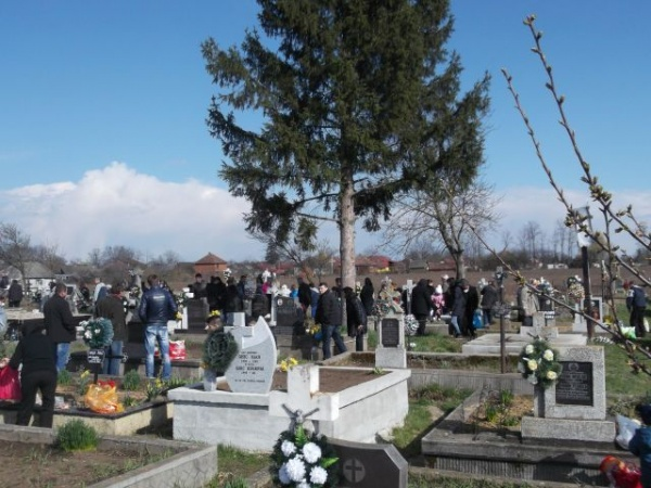 Sâmbăta lui Lazăr. Creştinii îşi pomenesc morţii de Moşii Floriilor
