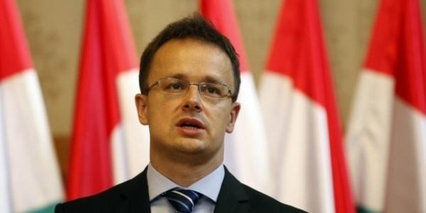 Ungaria va construi un gard de-a lungul frontierei cu Serbia
