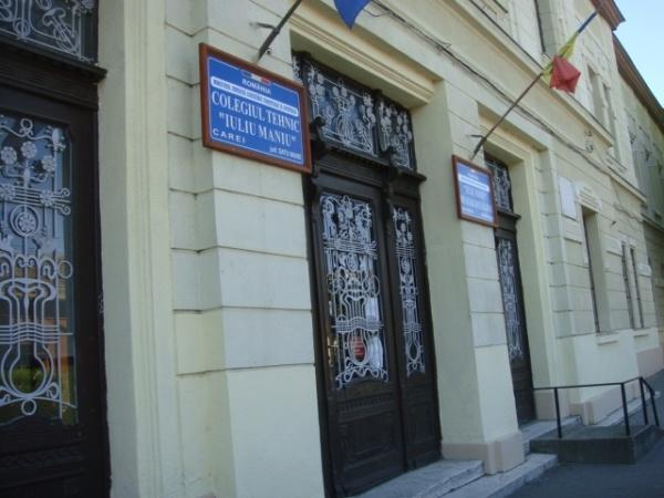 """Concurență mare pentru postul de îngrijitor la Liceul Tehnologic """"Iuliu Maniu"""" Carei"""