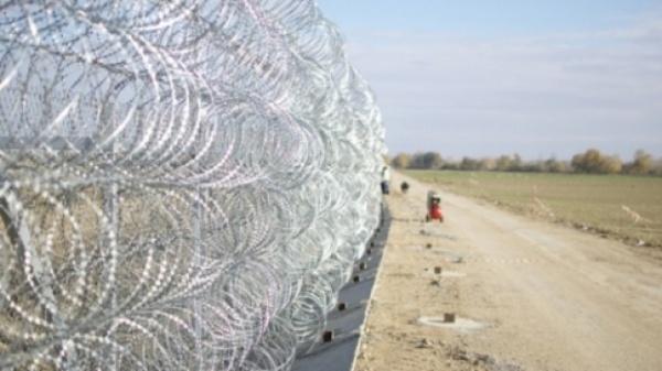 Ungaria şi-a sigilat graniţa cu Serbia