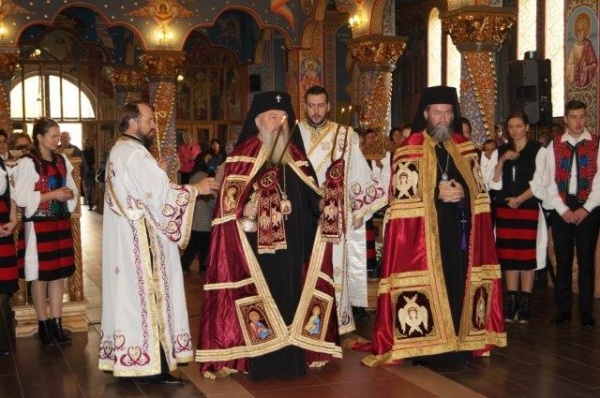 Liturghie Arhierească  la Carei de Ziua Armatei