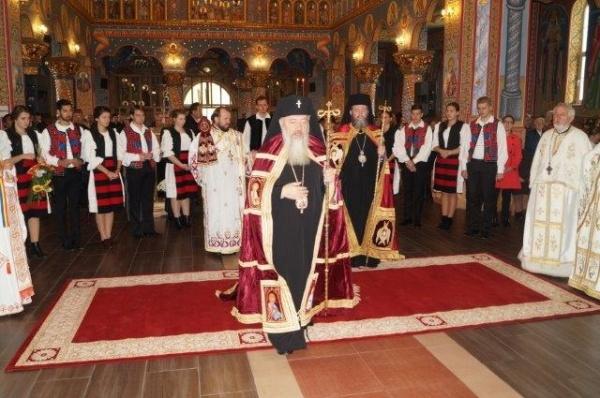 Mitropolitul Clujului, IPS Andrei: Preoţii şi credincioşii să doneze sînge pentru victimele din Bucureşti