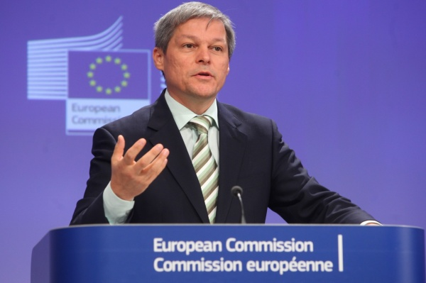 Dacian Cioloș, desemnat premier de Iohannis