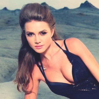 Otilia este a treia cântăreaţă din România cu un debut internaţional