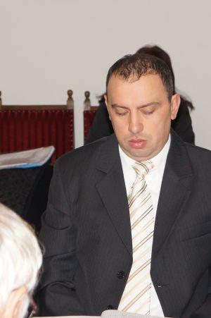 Drept la replică  penibil semnat de preşedintele Comisiei Economice din Primăria Carei, consilier Poósz Szabolcs. Un ha cu 5.500 euro?