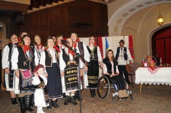 Tradiţii ancestrale şi eveniment caritabil la Festivalul de Datini ASTRA Carei 2015. Video