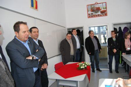 """Triada primarului Kovacs în acţiune la Liceul Tehnologic """"Simion Bărnuţiu"""""""