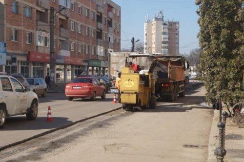 Refacere asfalt după asfaltarea din 2015 pe porţiunea lucrărilor Masterplan Apaserv