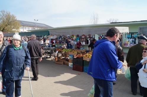 Piaţa agroalimentară Carei încearca promovarea producătorilor locali