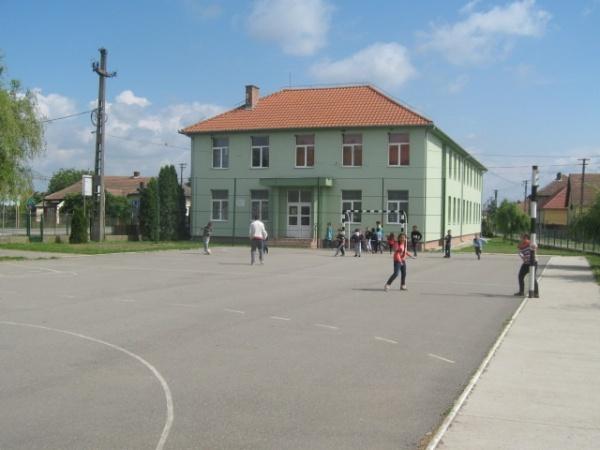 Post vacant la Şcoala Gimnazială din Petreşti