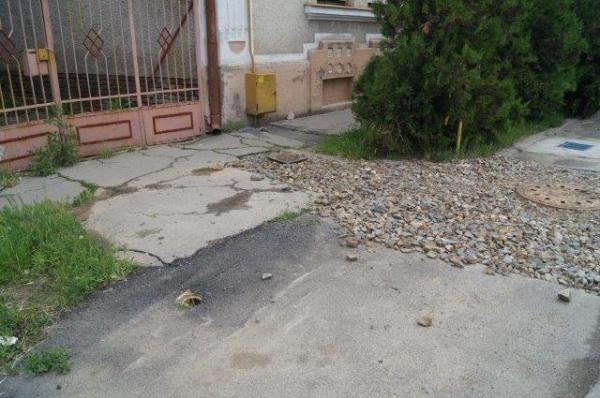 Strada Crişan colţ cu strada Horia, mostră de …modernizare