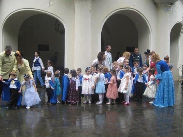 Prinţişori şi prinţese din poveste la Carei