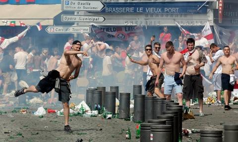 UEFA ameninţă cu excluderi de la EURO