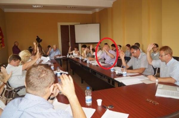 UAT Carei: Consilier local îşi votează Proiectul tehnic al firmei unde este director tehnic
