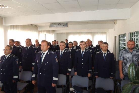 Ovidiu Păştean de la Poliţia Rutieră a fost avansat în grad şi a devenit subcomisar de poliţie