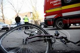 Accident cu două sexagenare în Carei. Biciclista a ajuns la spital