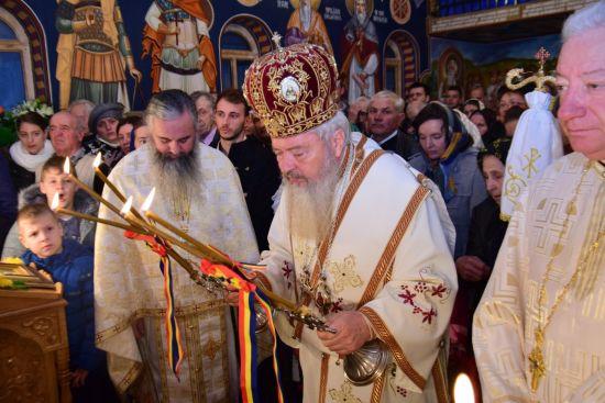 ÎPS Andrei: Sfinții Mărturisitori Năsăudeni, un adevărat model de viețuire pentru creștinii de azi