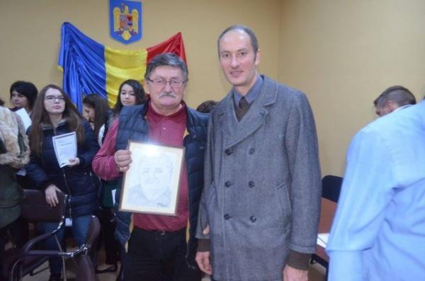 Un primar din judeţul Satu Mare a primit un tablou cu chipul său