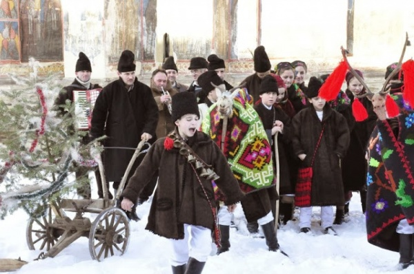 Obiceiuri și tradiții strămoşeşti de Anul Nou