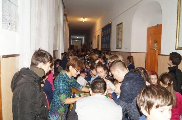 Târg de Crăciun la Şcoala ,,Vasile Lucaciu,,  din Carei