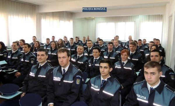 48 de poliţişti au depus jurământul la sediul Inspectoratului Judeţean de Poliţie Satu Mare