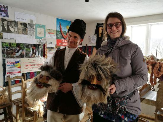 """Priveghi cu măşti tradiţionale. """"Chipărușul"""", dans care aparține Patrimoniului Cultural Imaterial din România"""