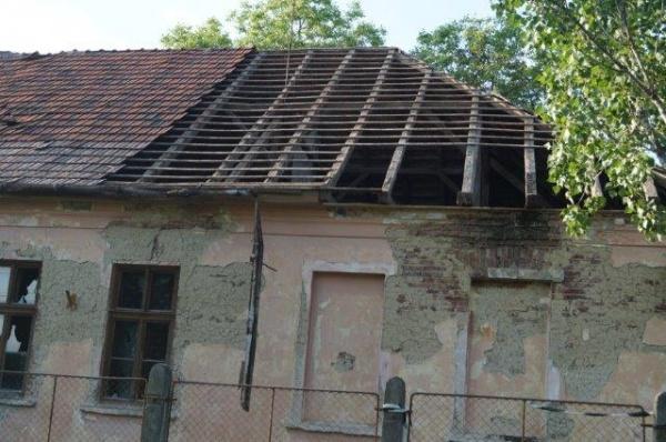 UAT Municipiul Carei. Şcoala  funcţională până în 2004 este demolată în 2017