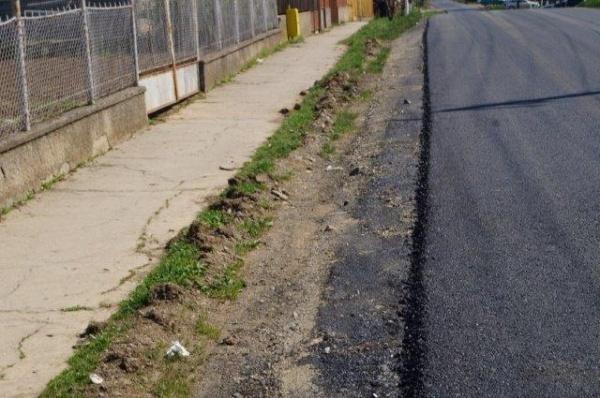 Inconştienţă sau Incompetenţă la Primăria Carei? Marea Asfaltare  are loc şi pe străzi unde nu este introdusă canalizarea sau apa potabilă