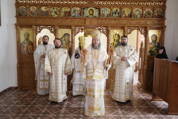 La Hramul Mănăstirii Scărişoara Nouă a fost invitat Preasfinţitul Părinte Episcop Siluan din Ungaria