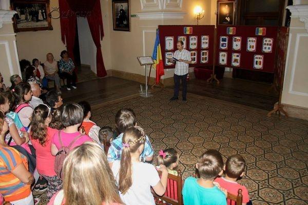 Ziua Drapelului Național marcată la Carei printr-o expoziție de fotografie