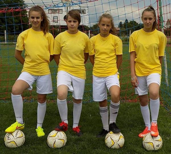 Fotbalul feminin din Carei dă clasă băieţilor. 4 fete convocate la selecţia pentru naţională