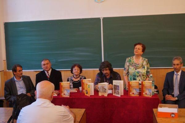 Monografia Colegiului Mihai Eminescu la a patra ediţie