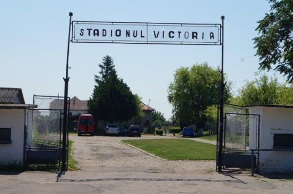 Avem stadion sau depozit de fier vechi? Imagini de la Stadionul Victoria Carei
