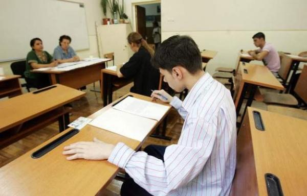 Clasele a VIII-a au dat simularea examenului de evaluare națională