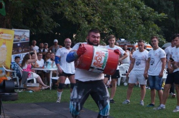 Rodion Suchman din Chişinău câştigă titlul de Strongman Carei 2017