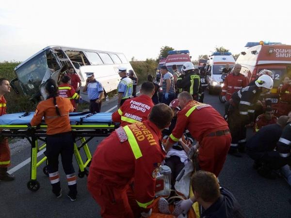 Cod Roşu la accidentul de pe DN 19. Din 13 răniţi au rămas doar 3 dintre care 2 cu răni uşoare