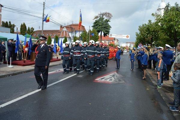 Cadre militare înaintate în grad de Ziua Pompierilor. Pompierul  de onoare al județului Satu Mare