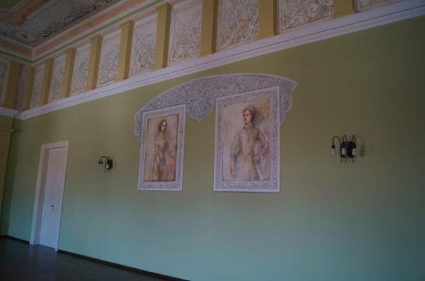 Noi investiții în Sala Festivă a Primăriei Carei cu simbolistică exclusiv maghiară. Personalități culturale românești refuzate