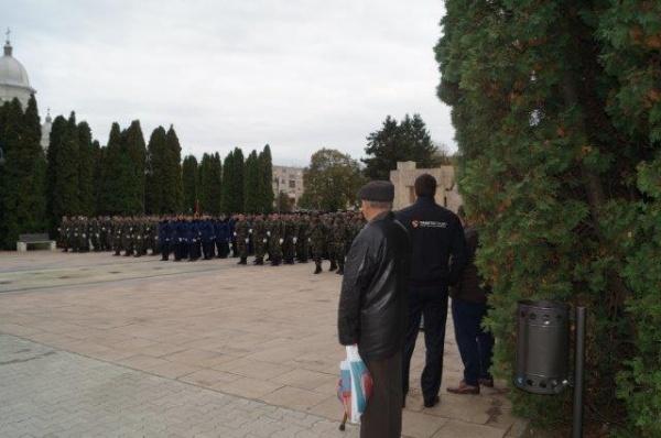 Kovacs incită la nerespectarea Legii 120. Compară un monument de for public cu o statuie
