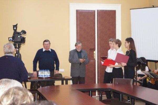 Lansare de carte Otilia Marchiş şi Ady Endre exclusiv în limba maghiară cu numele autoarei înlocuit de PORECLĂ