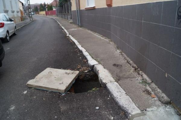 Pericol! Atenţie la capcana de pe strada Kolcsey