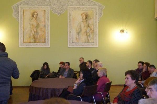 Primăria Carei umileşte şi consilierii români la final de an